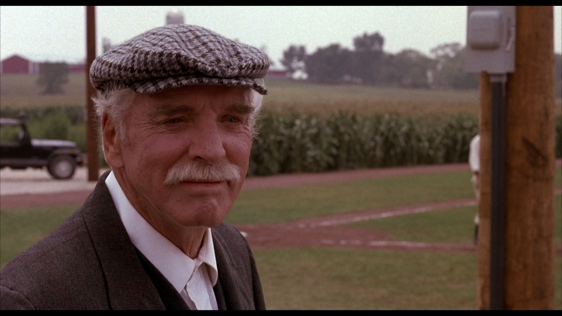 graham's field of dreams A biography of graham, chasing moonlight: the true story of field of dreams' doc graham,  100th anniversary of moonlight graham's only game.